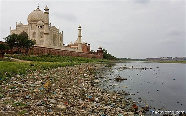 06-yamuna-and-taj-mahal