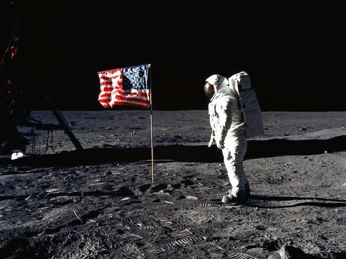 """Тайны миссии """"Аполлон"""""""