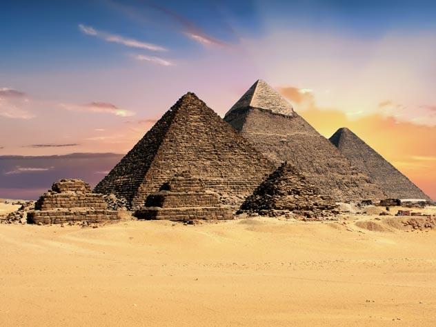 Египетские пирамиды построили инопланетяне?