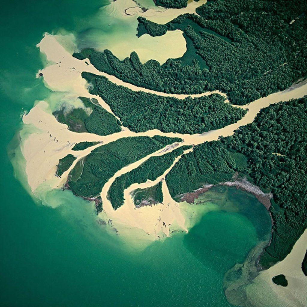 Изменение рельефа Земли реками