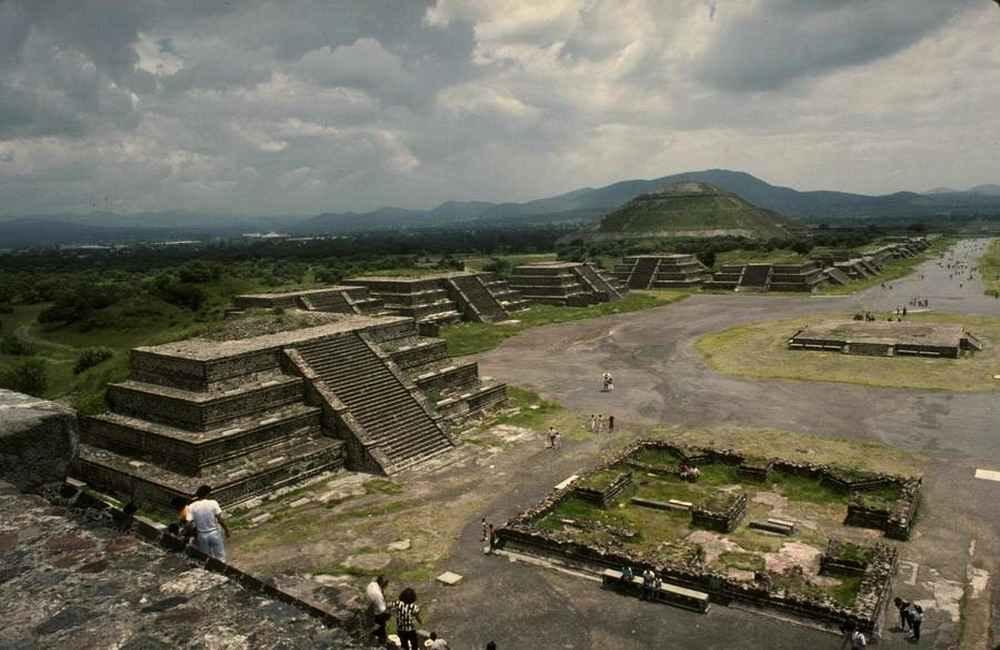 Почему погибла цивилизация ацтеков