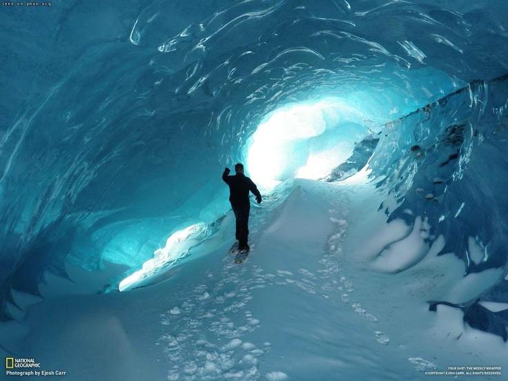 Гигантские подледные тоннели в Антарктиде