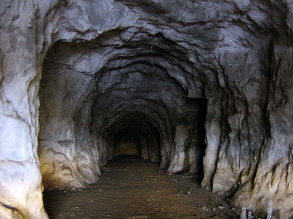 Подземные туннели палеолита