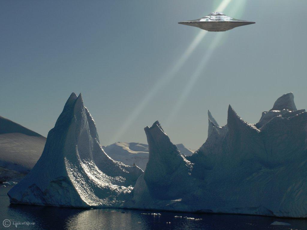 Очередная база НЛО в Антарктиде