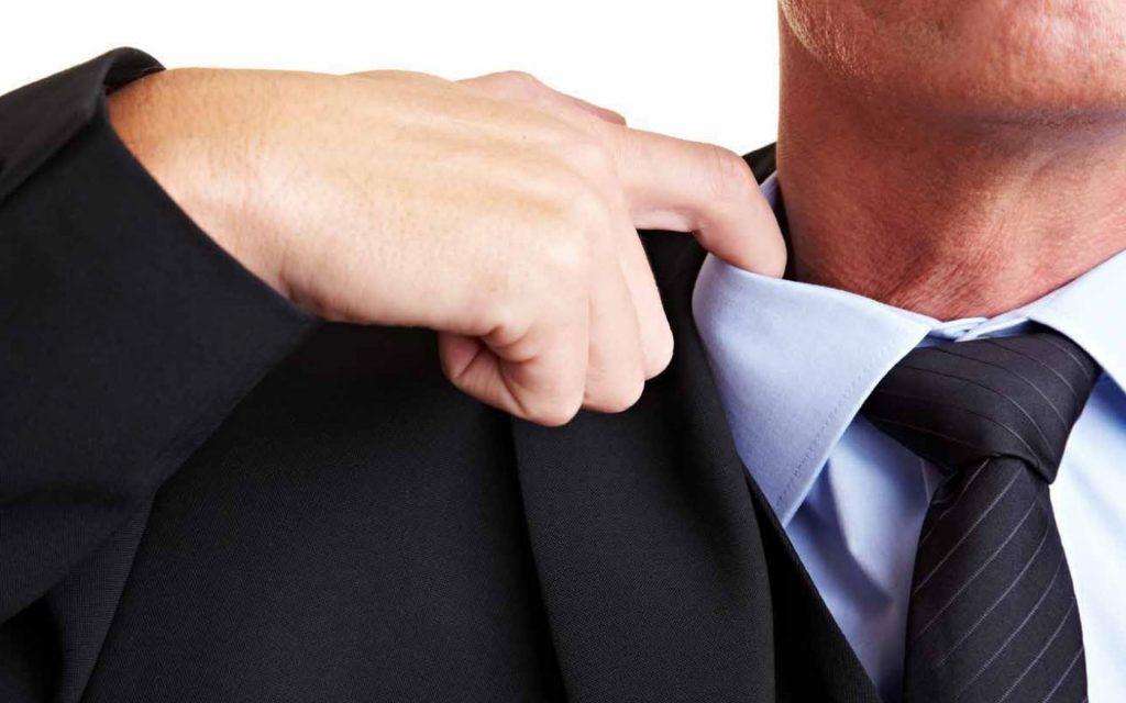 Чем опасен галстук?
