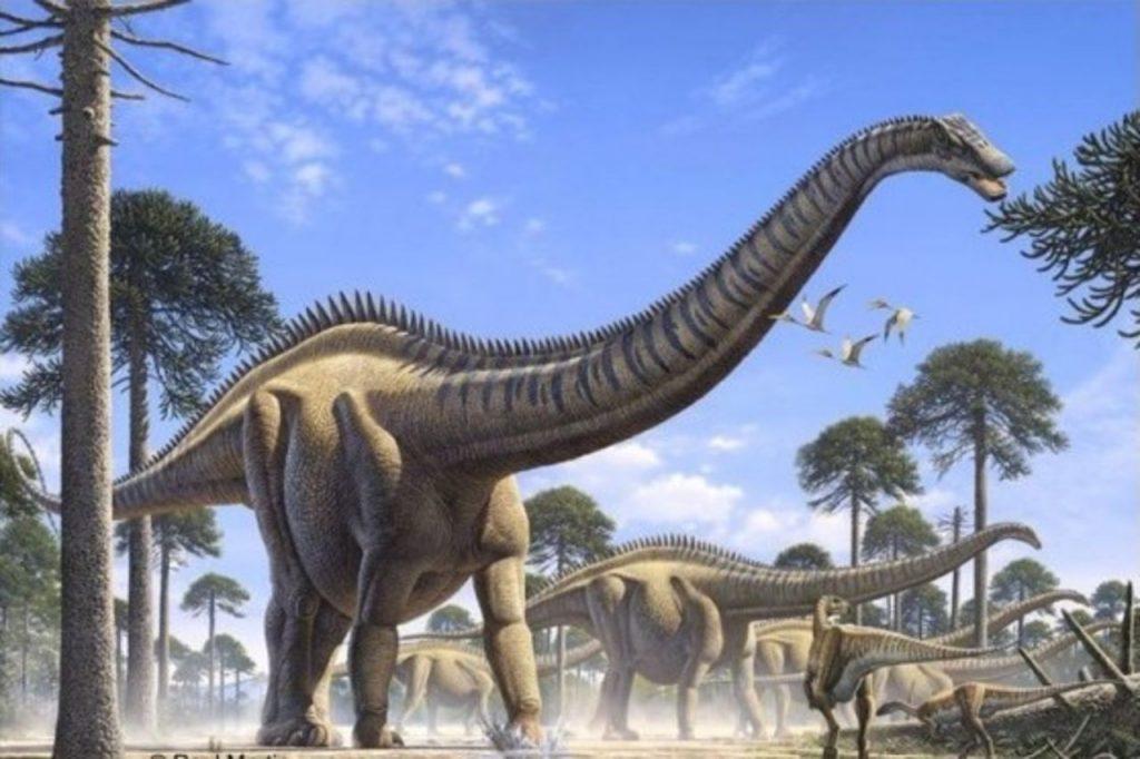 40-метровый динозавр...