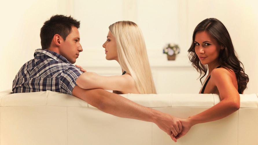 Почему супруги изменяют?
