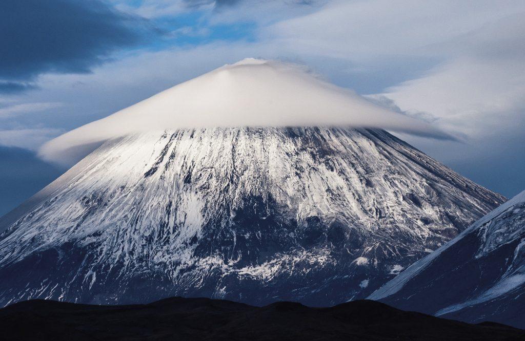 Камчатка - удивительная земля вулканов и гейзеров
