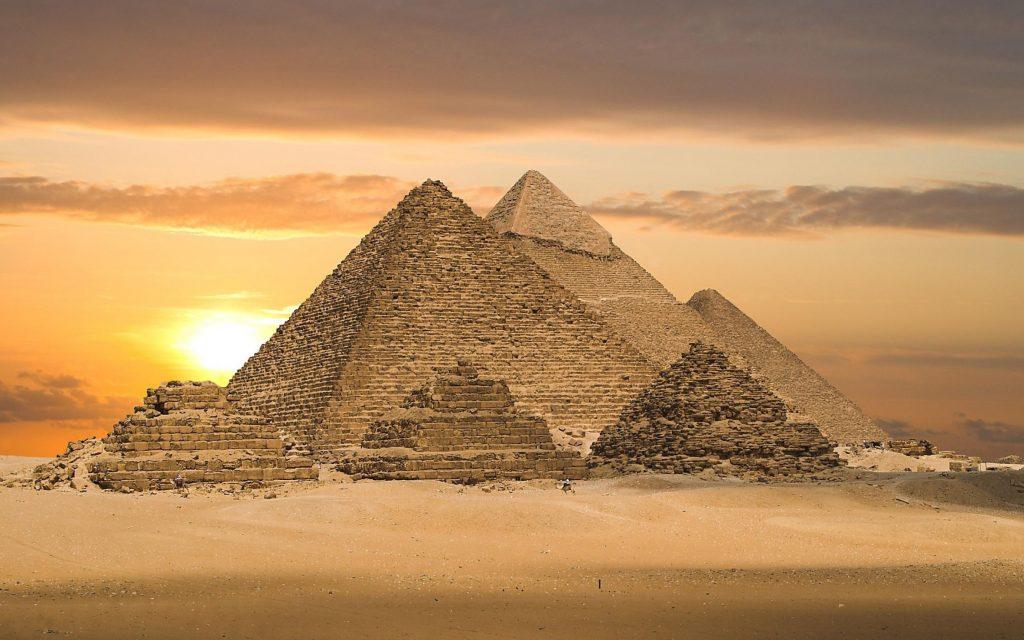 Пирамиды - памятники величия фараонов