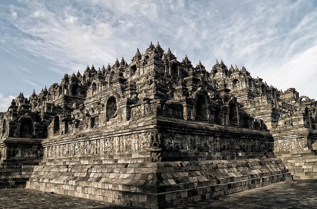 Храм Боробудур - вершина мироздания