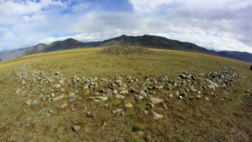 В Монголии найдены древнейшие на Земле курганы