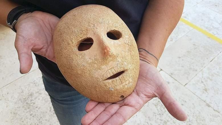 Каменная маска, которой девять тысяч лет