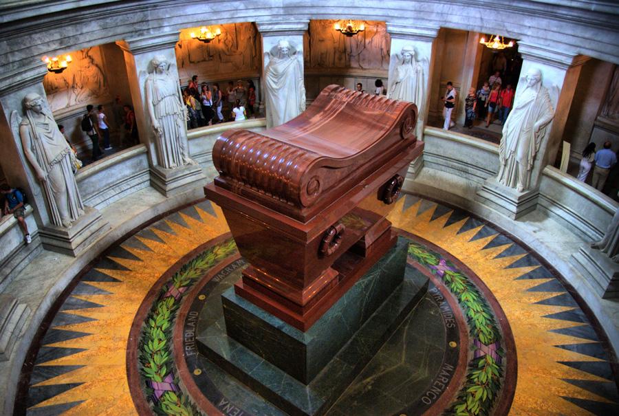 Где лежит Наполеон?