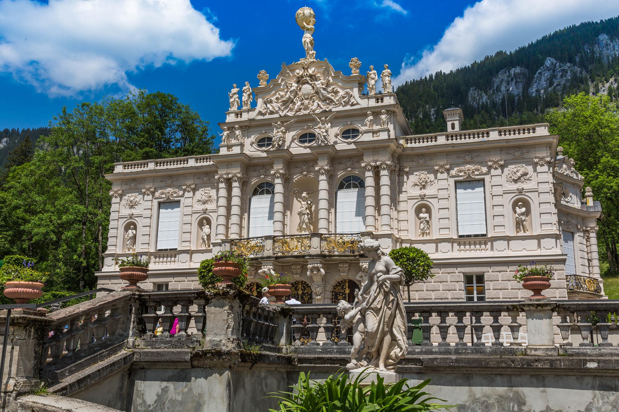 Линдерхоф - роскошный замок баварского короля