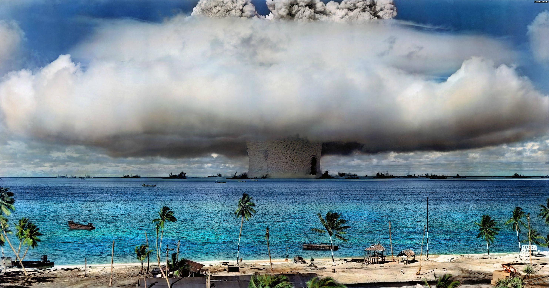 Сколько атомных бомб взорвали в ХХ веке?