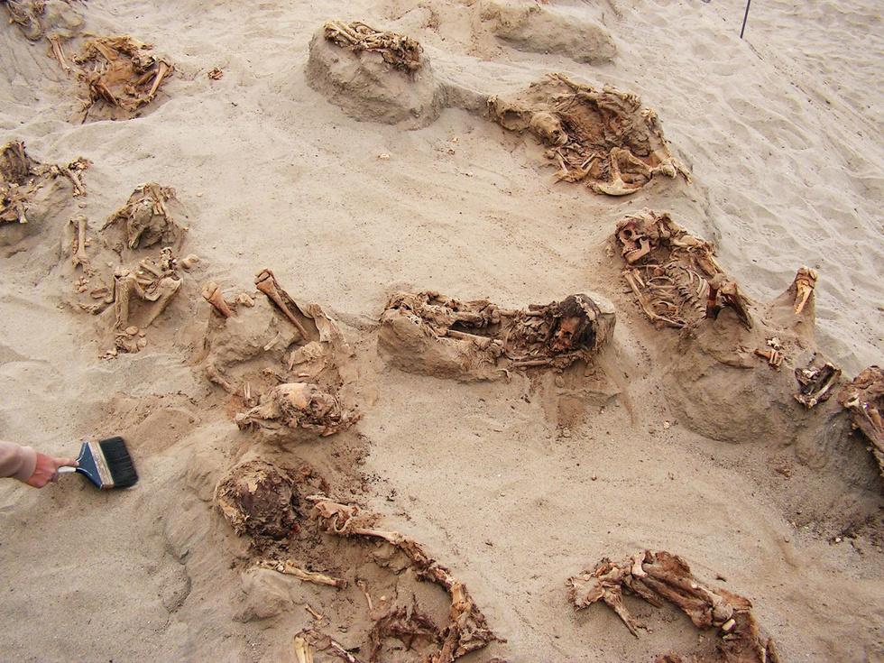 Археологи нашли место крупнейшего жертвоприношения в Перу