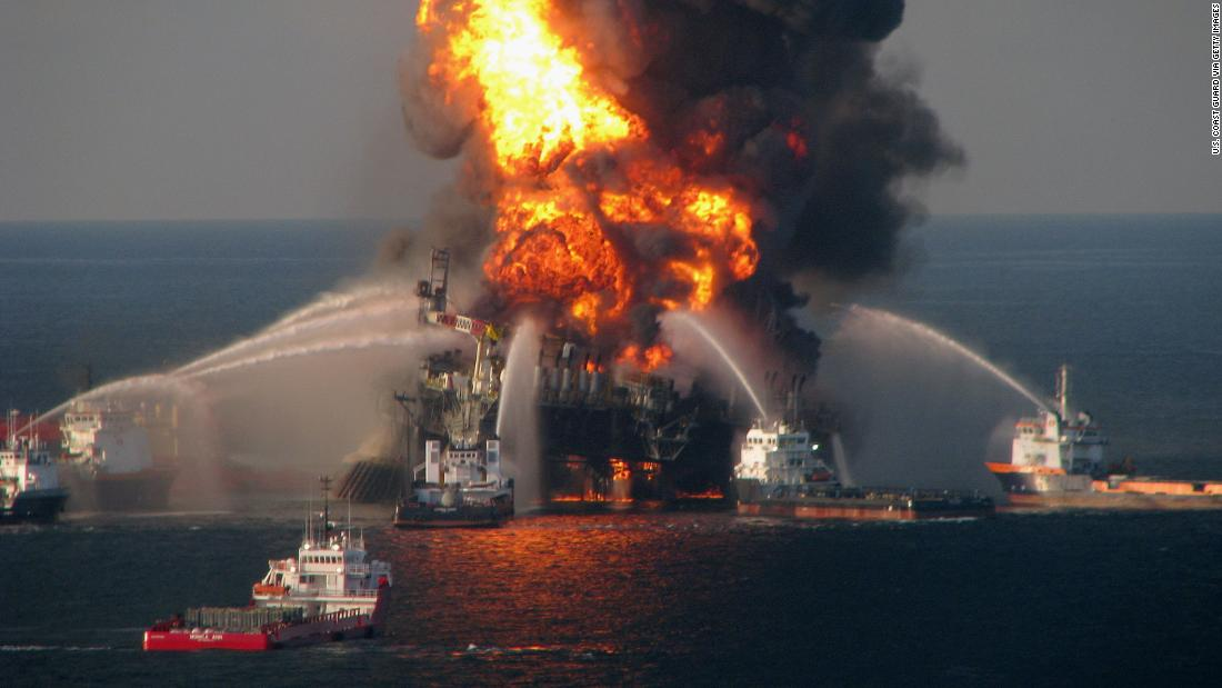 Взрыв нефтяной платформы Deepwater Horizon погубит планету?