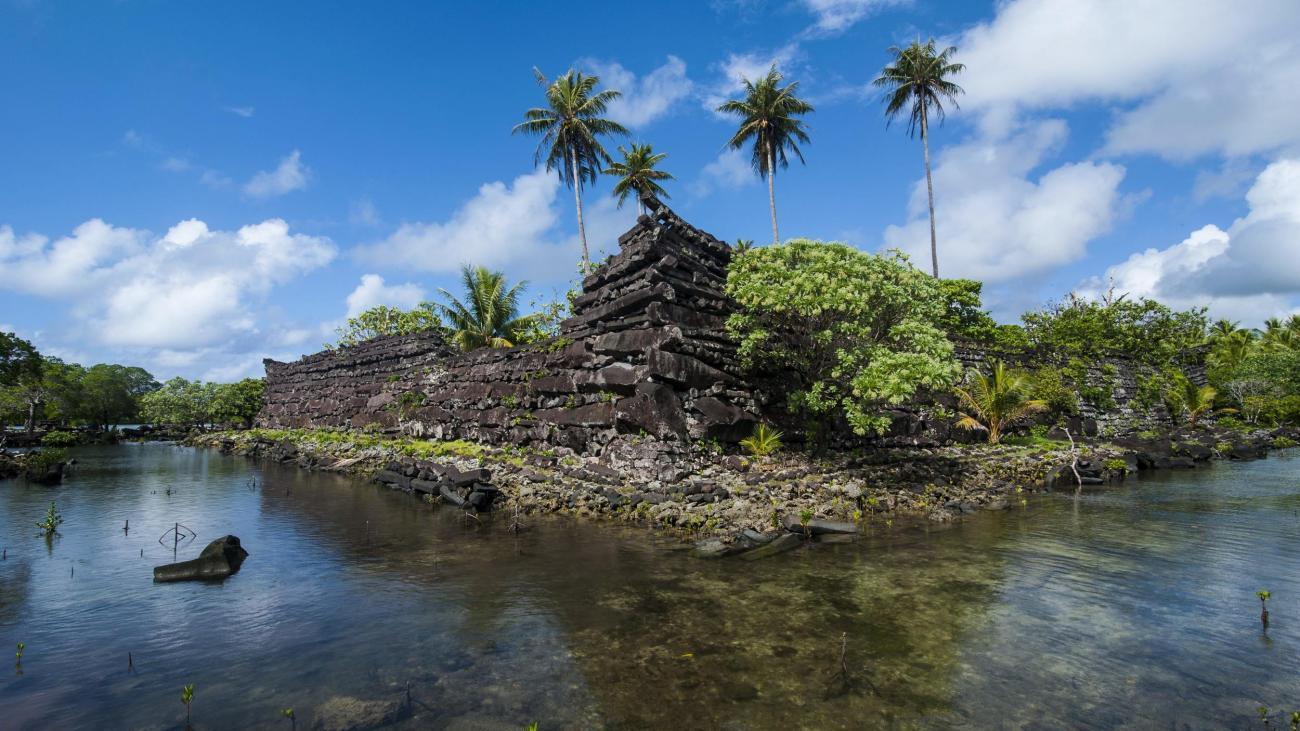 Как был построен город на воде Нан-Мадол?