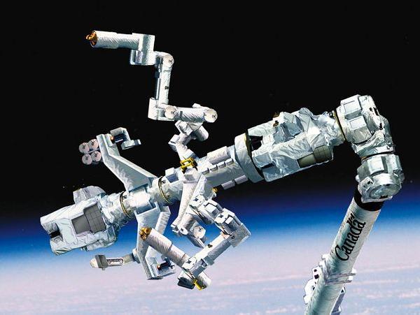 Ремонт и обслуживание спутников в космосе