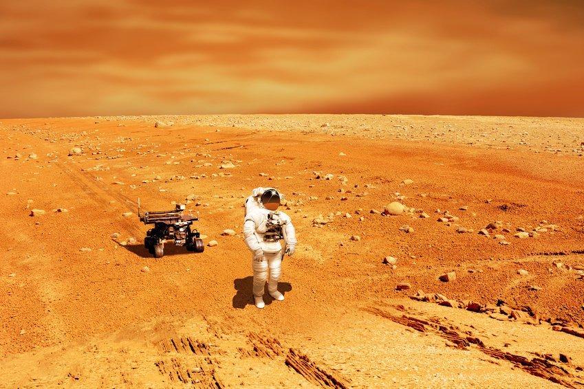 Какое количество радиации получает космонавт за полгода пребывания в космосе?
