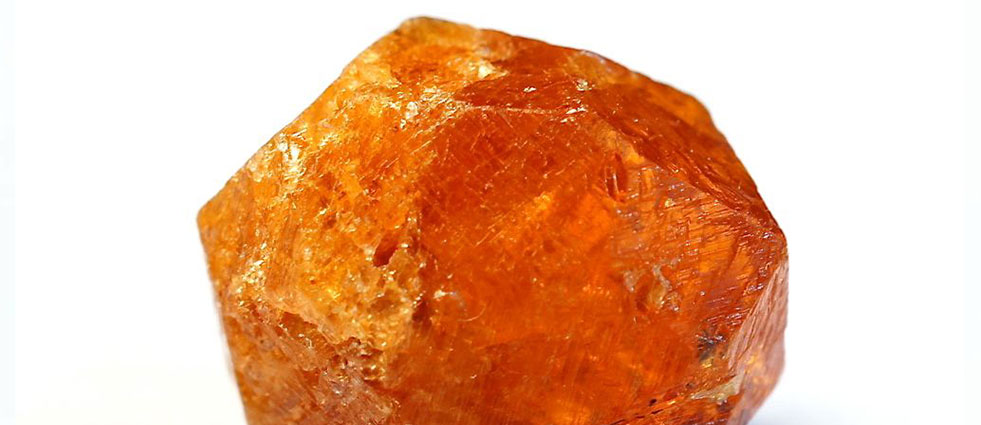 Камень спессартин