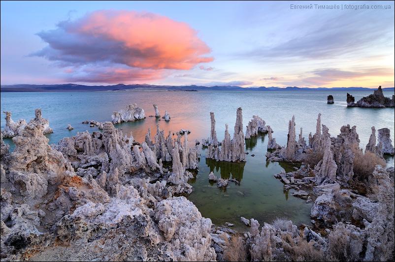 Озеро Моно в США