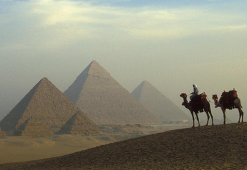 Пирамиды строили люди