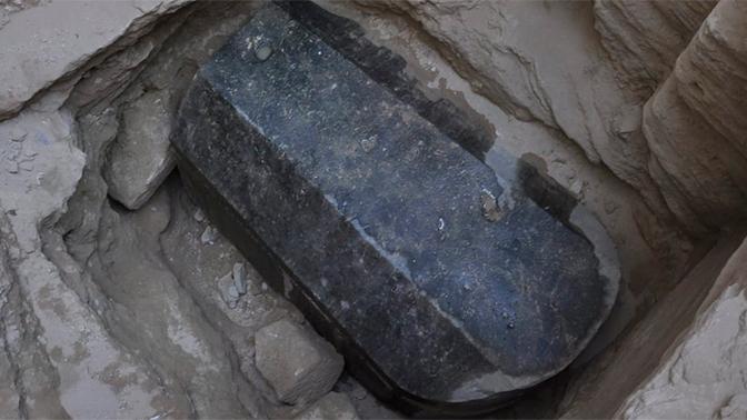 Гигантский саркофаг из Александрии