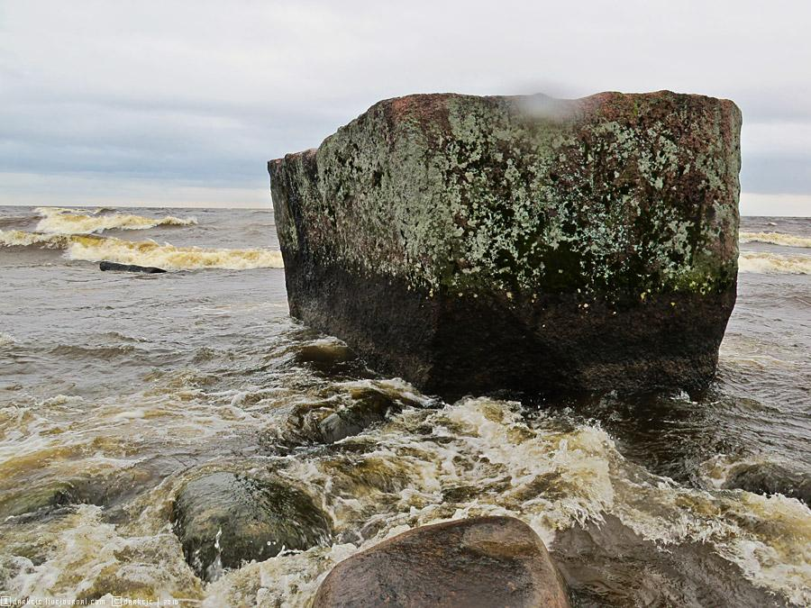 Варашев камень на Ладоге