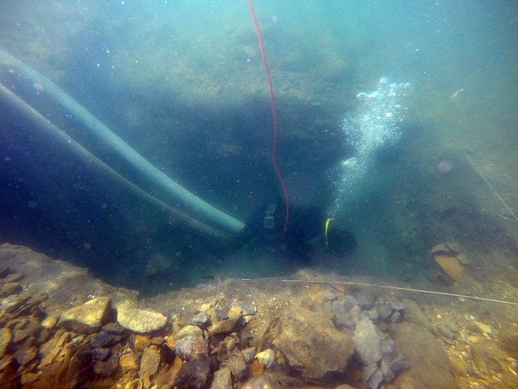 У берегов Крыма исследуют затонувший город
