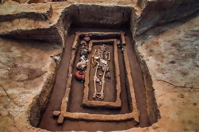 Древнее кладбище
