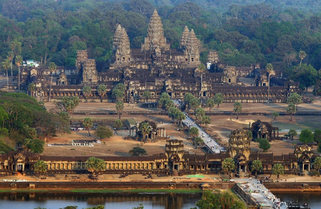 Ангкор - загадки города в джунглях
