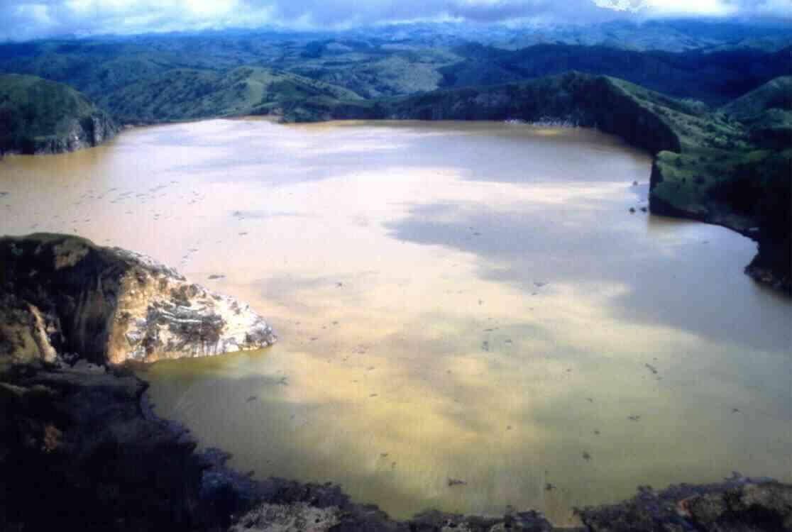 Отравленное озеро Ниос