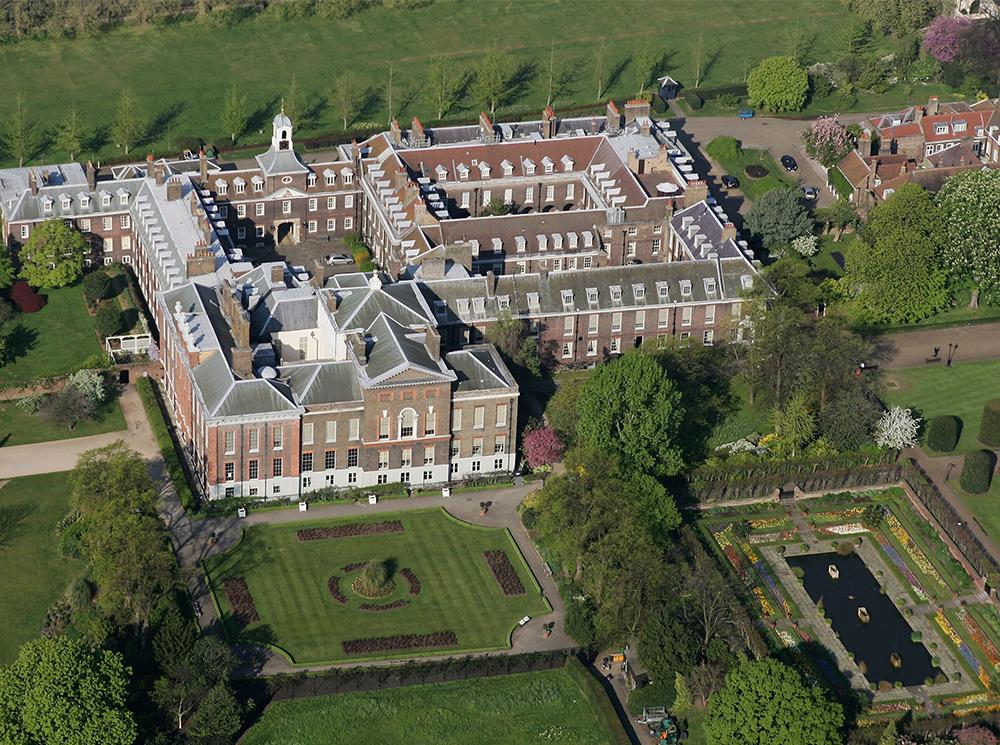 Кенсингтонский дворец - излюбленная резиденция британских монархов