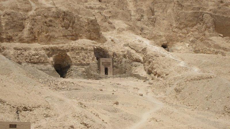 Найдены гробницы первых египетских фараонов