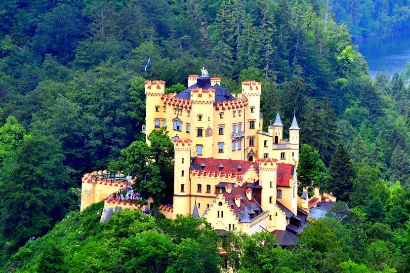 Хоэншвангау - любимый замок баварского короля Людвига II