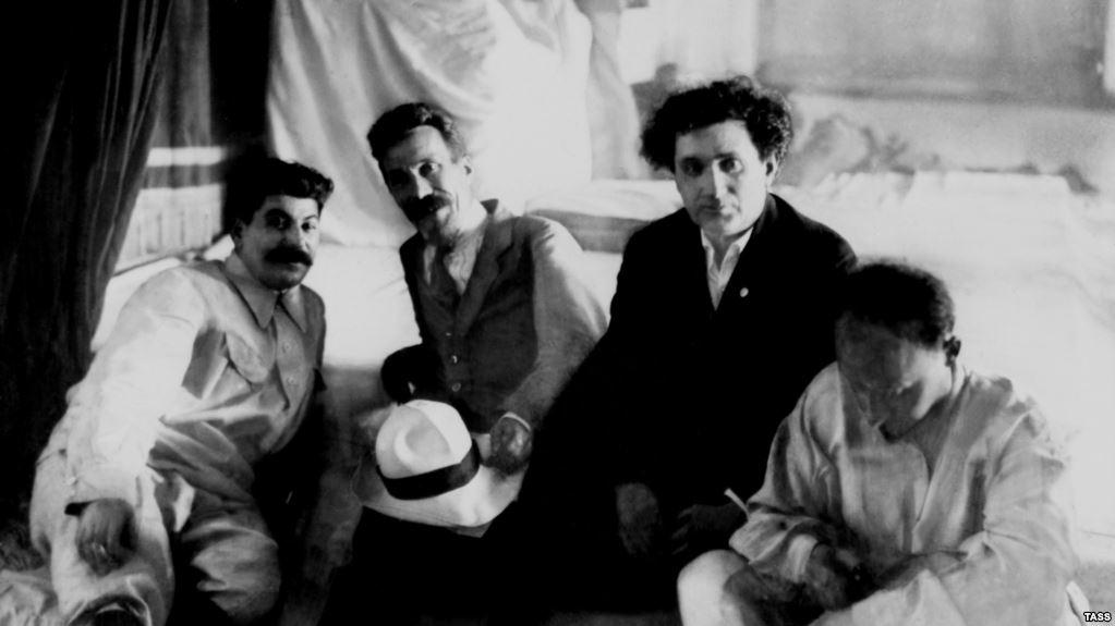 Битва вождей - Сталин против Бухарина. Как «любимец партии» стал врагом народа