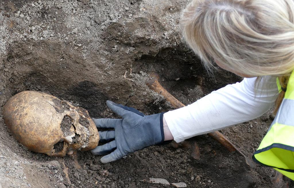 Последнее плавание: археологи нашли викинга погребенного в корабле
