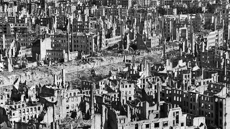 Апокалипсис Дрездена. Зачем союзники бомбили мирных жителей?