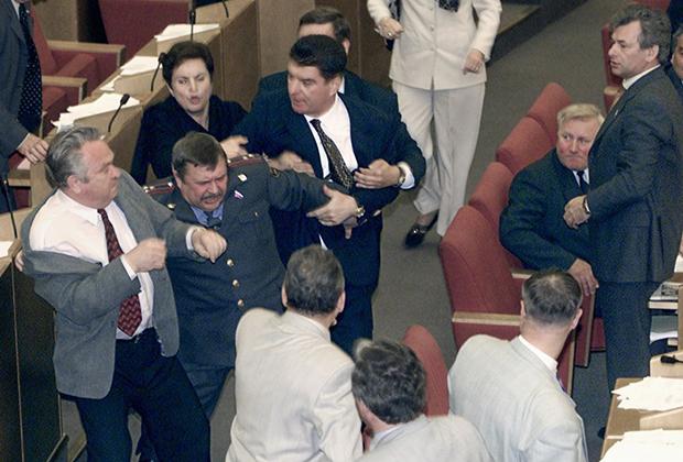 25 лет первой Думе - красно-коричневая оппозиция Ельцину