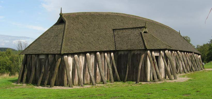 Длинный исландский дом викингов
