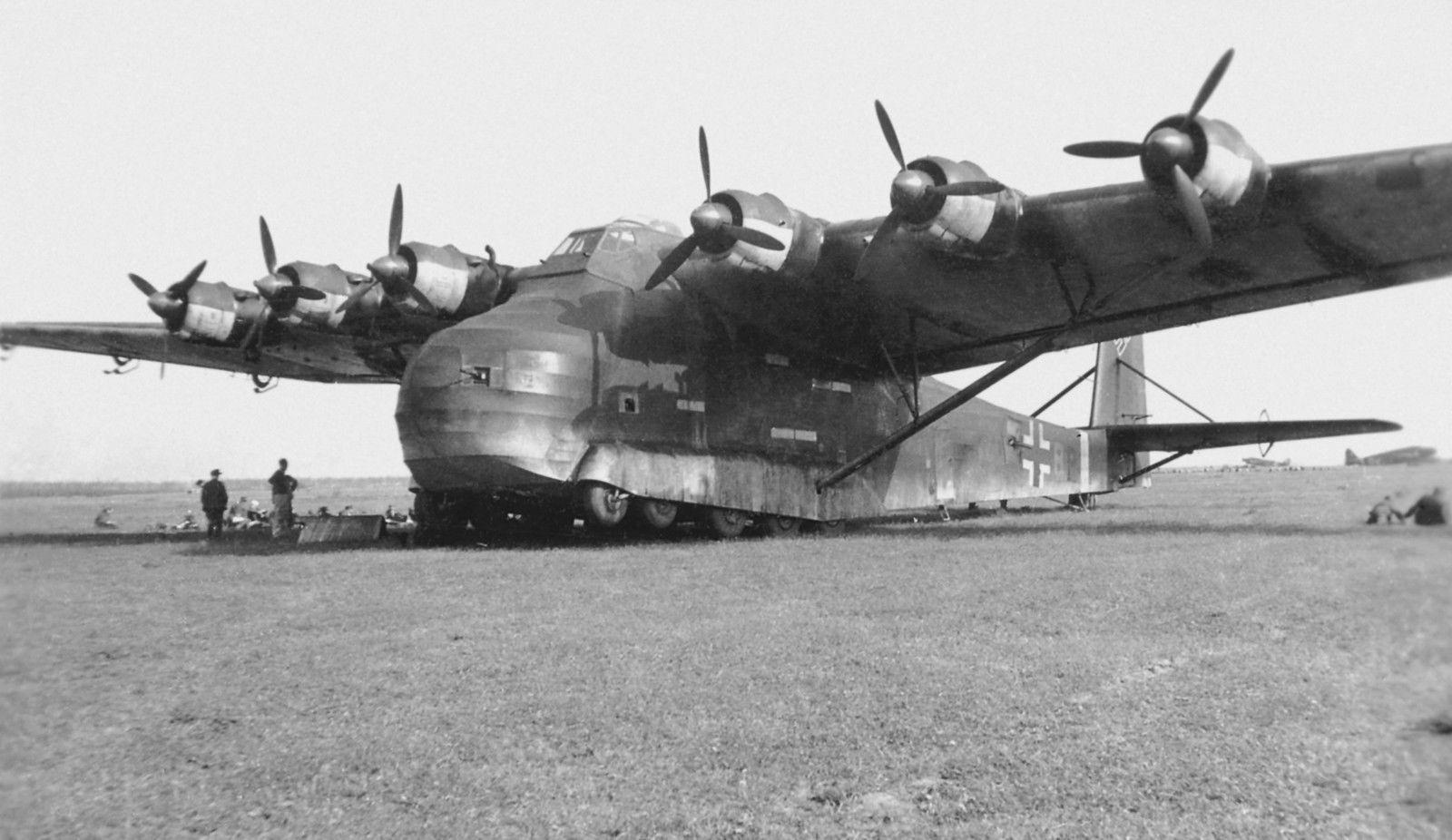 10 самолетов-гигантов