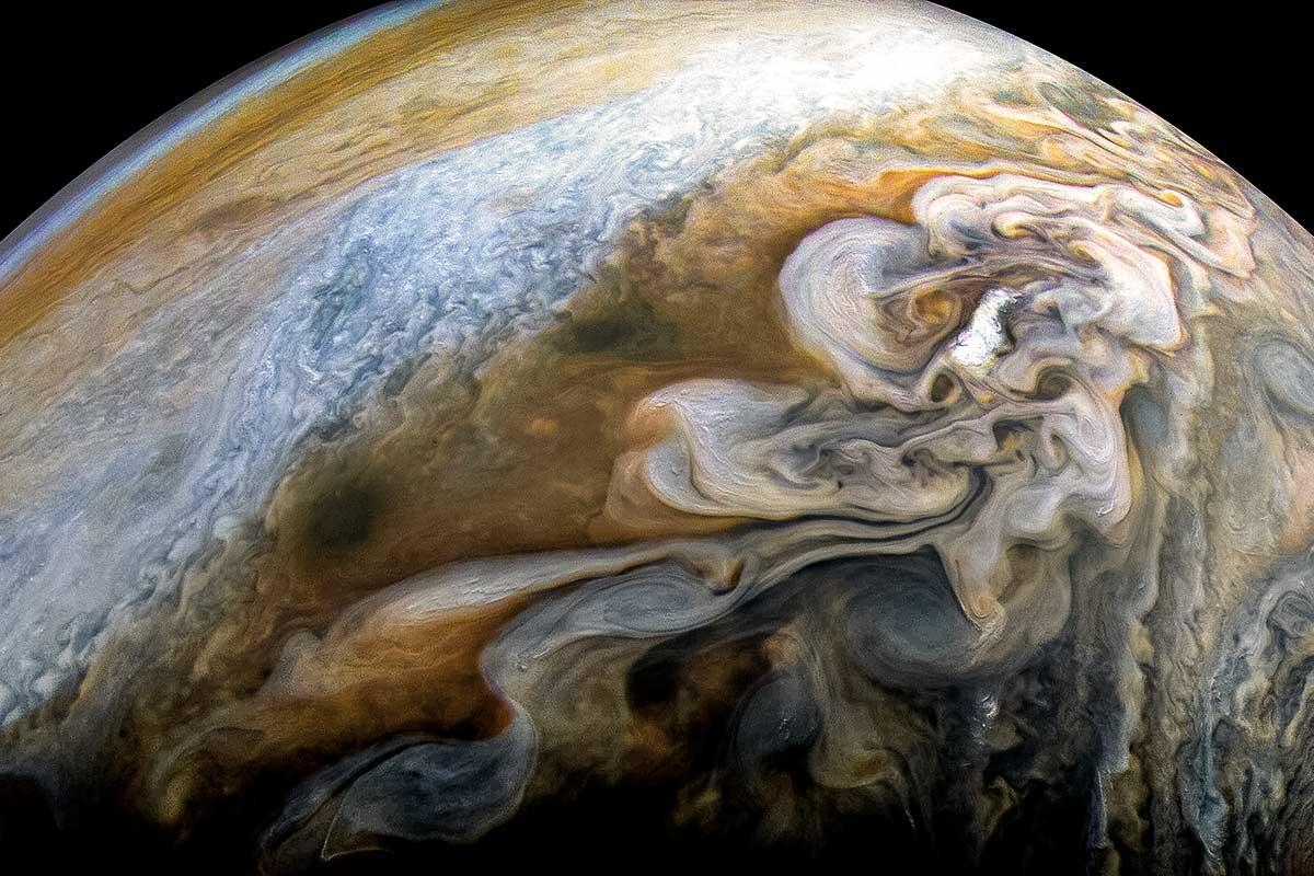 Автоматическая межпланетная станция Juno (Юнона) продолжит изучать Юпитер