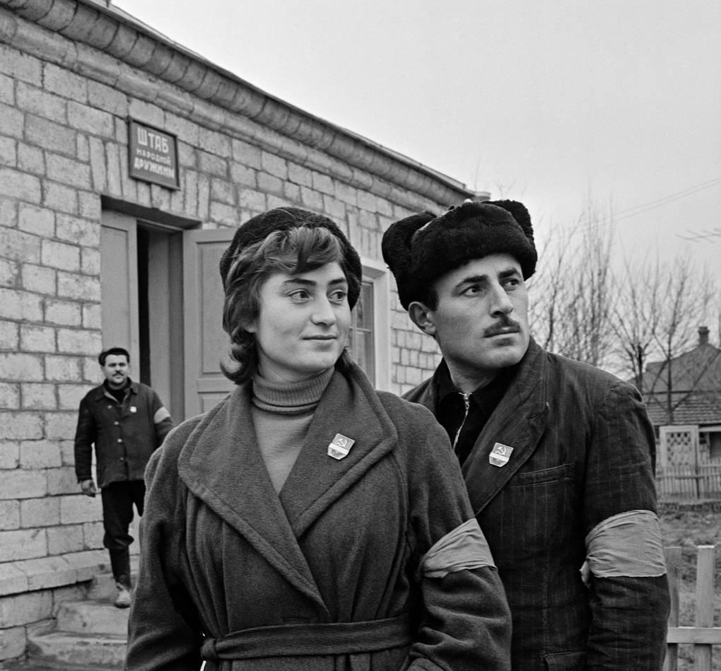 «Я - дружинник!» Кто и как помогал советской милиции