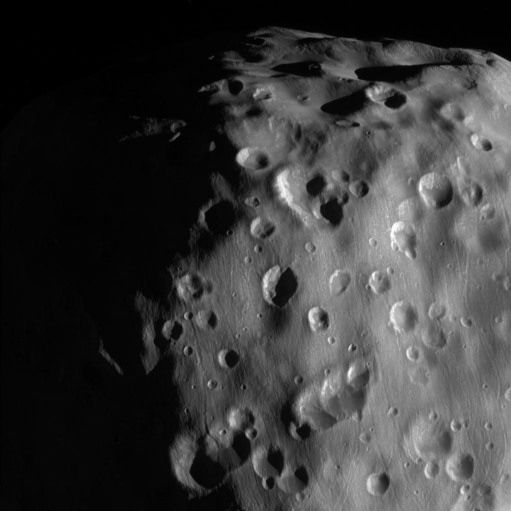 Cassini: последний взгляд на Эпиметей