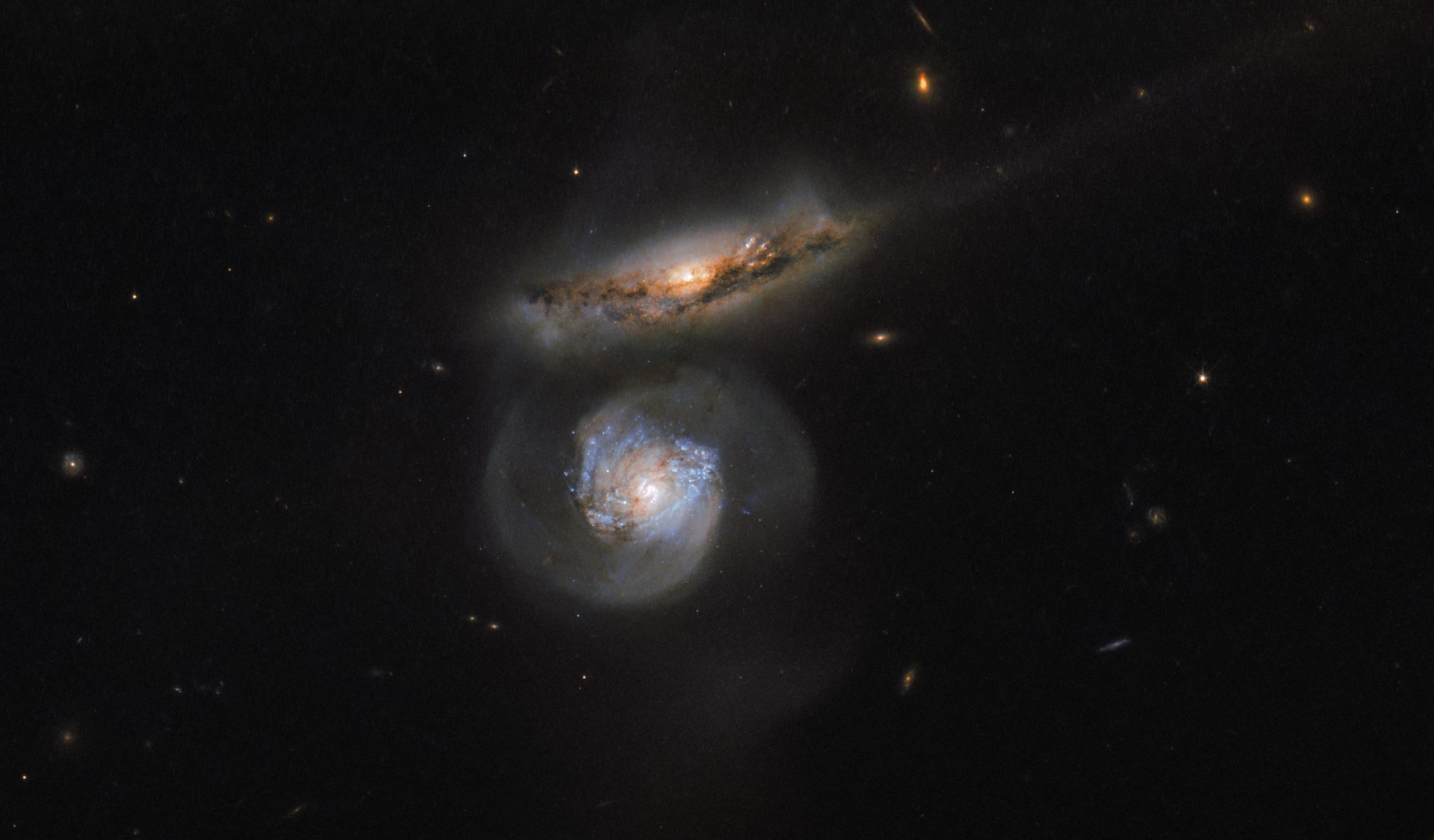 «Моментальный снимок» сталкивающихся галактик