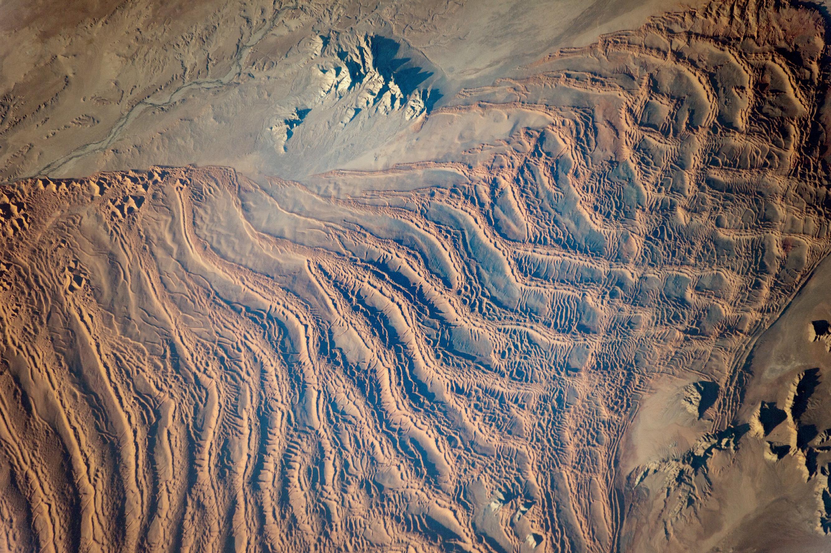 Ветер, песок и вода в пустыне Намиб