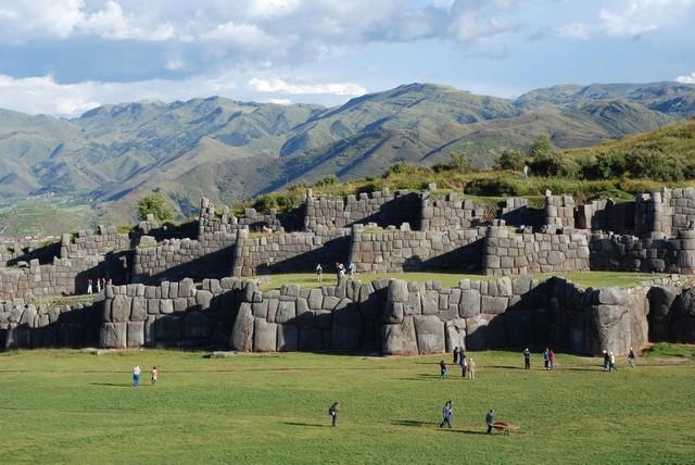 Саксайуаман — древний город в горах Перу