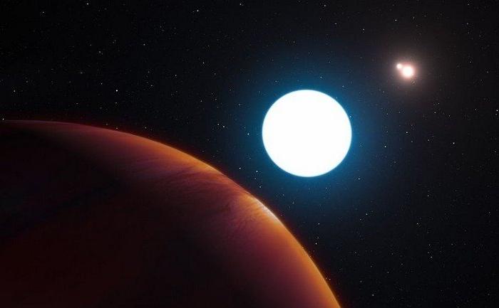 Необычная планета с тремя солнцами
