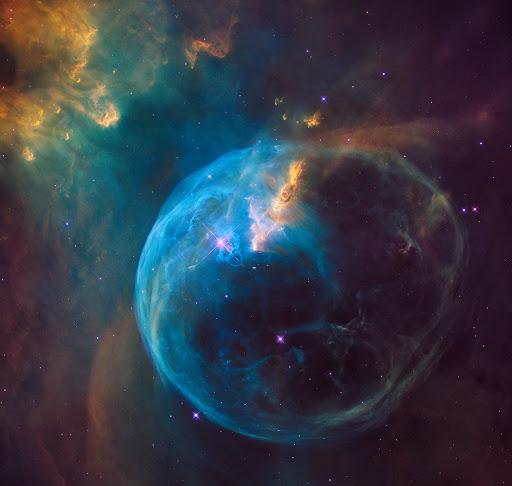 Космический «пузырь» в созвездии Кассиопеи